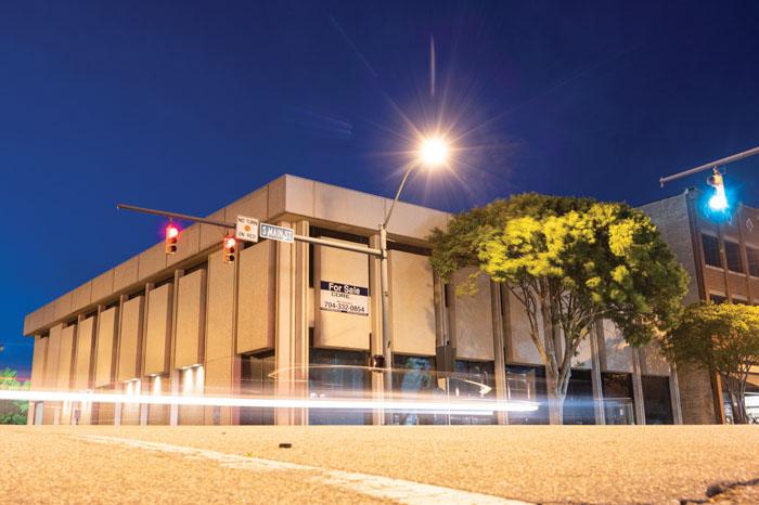 Photo of Wells Fargo Bld. at Night